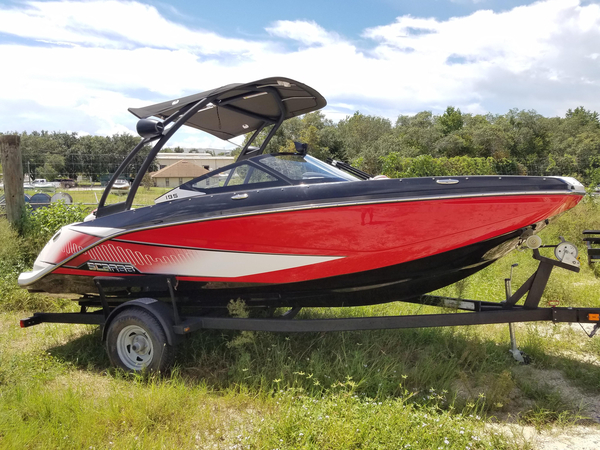 Used Scarab 195 Ski and Wakeboard Boat For Sale