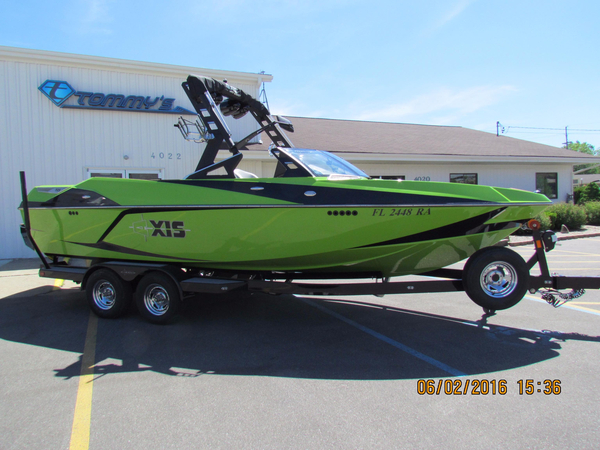 Used Axis T23 Ski and Wakeboard Boat For Sale