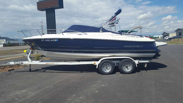 Used Monterey 214 FSC Cuddy Cabin Boat For Sale