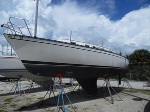 Used Hunter 30 Masthead Sloop Yanmar Antique and Classic Boat For Sale