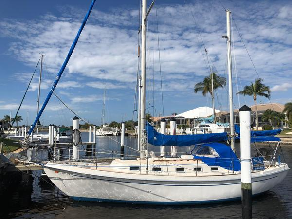 Used Allied 32 Seawind MKII Ketch Sailboat For Sale