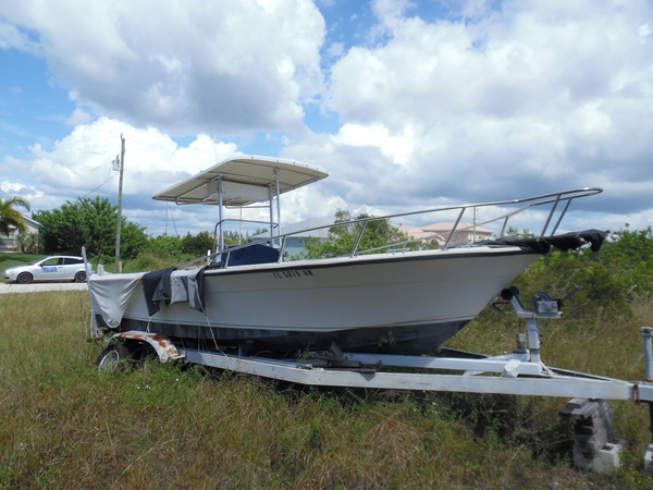 Used Robalo 230 Center Console Antique and Classic Boat For Sale