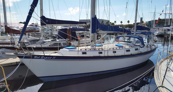 Used Pearson 424 Racer and Cruiser Sailboat For Sale