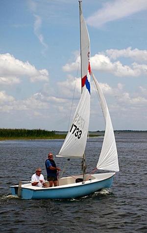 Used Mfg Day Sailer Daysailer Sailboat For Sale