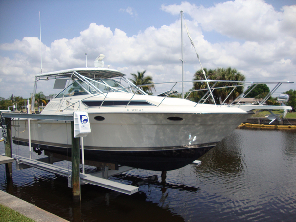 Used Wellcraft 3300 Coastal Express Cruiser Boat For Sale