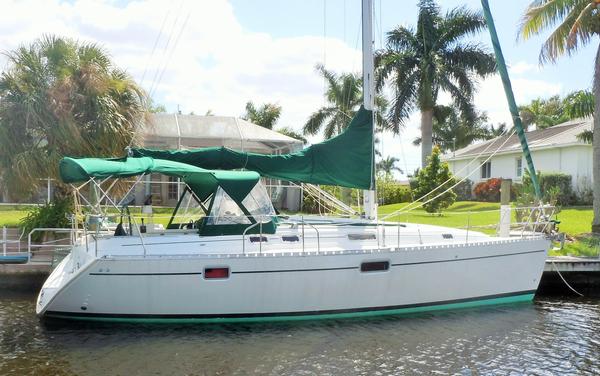 Used Beneteau 352 Sloop Sailboat For Sale