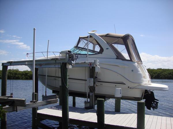 Used Chaparral Signature 310 Express Cruiser Boat For Sale