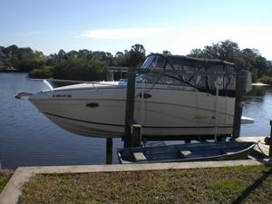 Used Rinker Fiesta Vee 250 Express Cruiser Boat For Sale