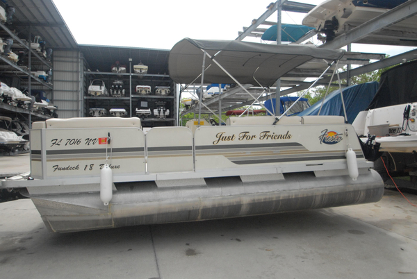 Used Fiesta Fun Deck Bowrider Boat For Sale