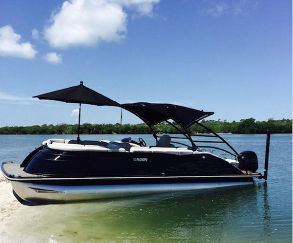 Used Bennington 2572 QCW Pontoon Boat For Sale