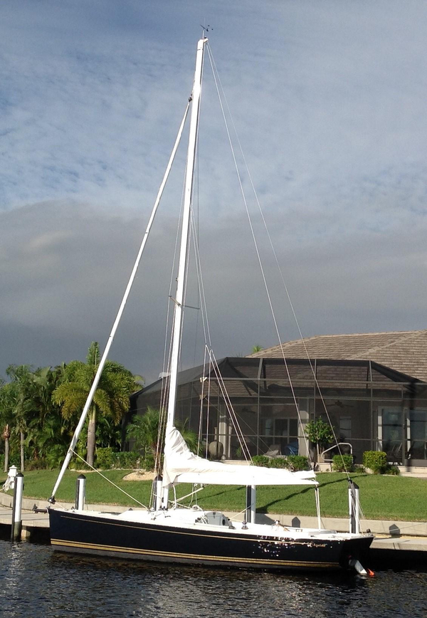 Used Tartan 26 Fantail Daysailer Sailboat For Sale