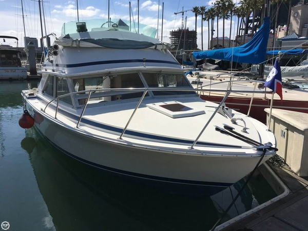 Used Bertram 28 Flybridge Cruiser Sports Fishing Boat For Sale
