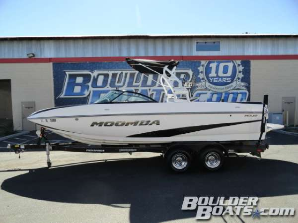 Used Moomba Mojo Ski and Wakeboard Boat For Sale