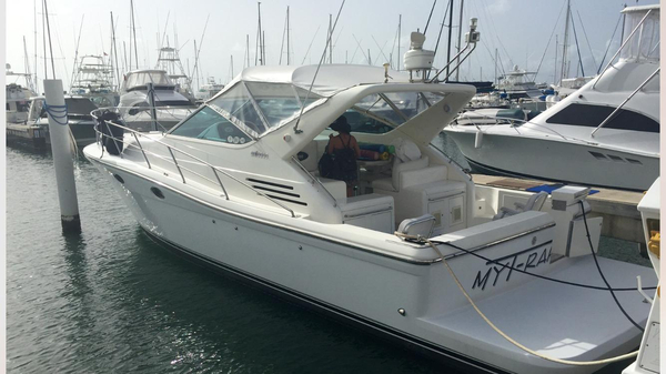Used Uniesse Express 42 Motor Yacht For Sale