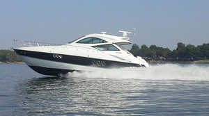 Used Cruisers Yachts 540 Sport Coupe Express Cruiser Boat For Sale