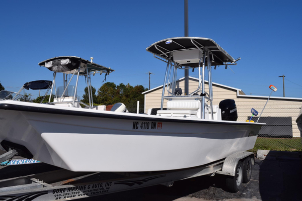 Used Riddick Bay Runner 2290 Skiff Boat For Sale