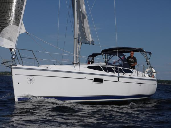 Used Hunter E36 Cruiser Sailboat For Sale