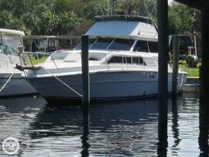 Used Sea Ray SRV300 Cruiser Boat For Sale