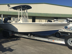 Used Pathfinder Bay Boat 2600 HPS Bay Boat For Sale