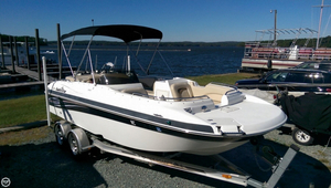Used Nautic Star 222SC Deck Boat For Sale