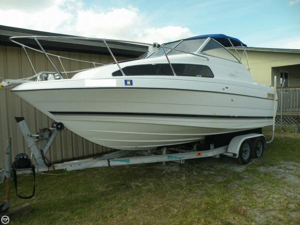 Used Bayliner 2252 Ciera Express Cruiser Boat For Sale