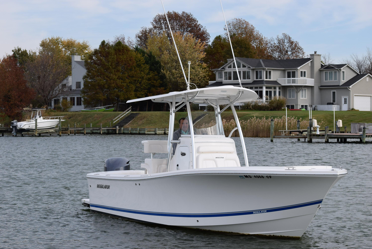 2015 used regulator 23fs center console fishing boat for for Used fishing boats for sale in md
