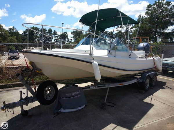 Used Boston Whaler Revenge 21 Cruiser Boat For Sale