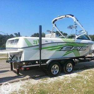 Used Epic 21V Ski and Wakeboard Boat For Sale