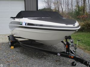 Used Larson LX 1750 Bowrider Boat For Sale