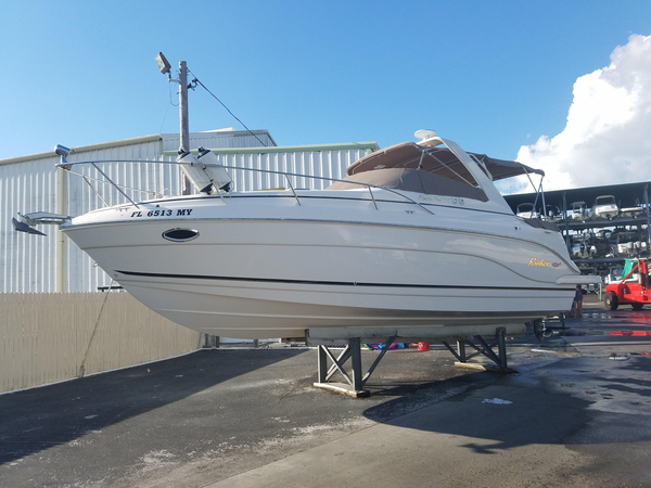 Used Rinker 300 Fiesta Vee Express Cruiser Boat For Sale
