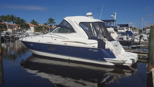 Used Cruisers Yachts 420 Express IPS Diesel Sports Cruiser Boat For Sale