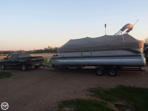 Used Premier Pontoons RE 250 Grand Majestic Pontoon Boat For Sale