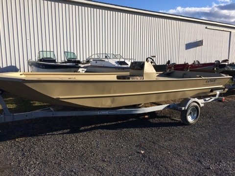 """New Lowe Roughneck 2070 CC - 27"""" Transom Center Console Fishing Boat For Sale"""