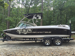 Used Correct Craft 220 Super Air Nautique Ski and Wakeboard Boat For Sale