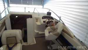 Used Larson 235 Hampton Cruiser Boat For Sale