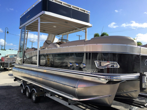 New Avalon Catalina Entertainer 25' Funship Pontoon Boat For Sale