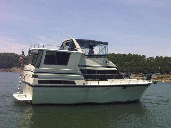 Used Hyatt 40 Sundeck Cruiser Boat For Sale