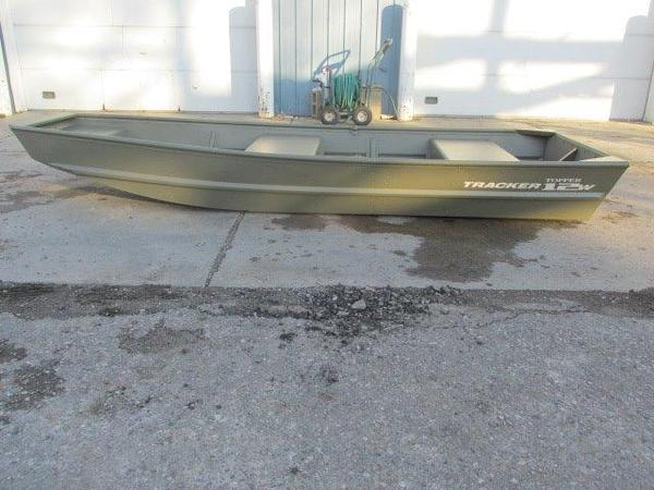 New Tracker Topper 1236 Riveted Jon Aluminum Fishing Boat For Sale