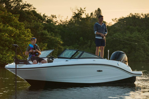 New Sea Ray 19 SPX OB Bowrider Boat For Sale